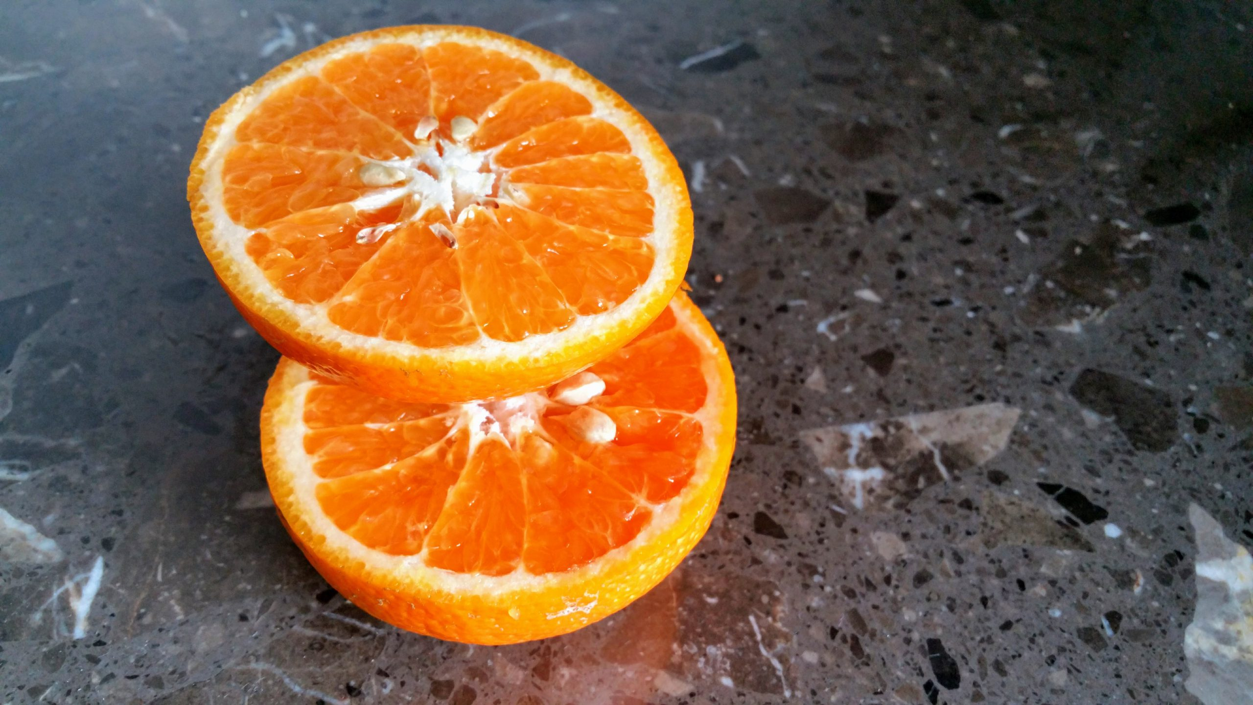 48,5% minder agressie en geweld op opvanglocaties met sinaasappelgeur!